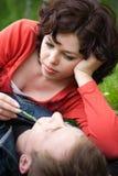 Jeunes couples affectueux image libre de droits