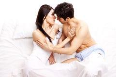 Jeunes couples amoureux Photo stock