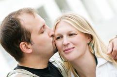 Jeunes couples amoureux dans l'amour Photographie stock libre de droits