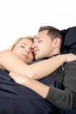 Jeunes couples appréciant des rêves doux Photos stock