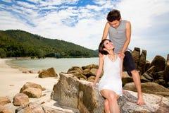 Jeunes couples asiatiques heureux Photo stock