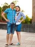 Jeunes couples ayant l'amusement Image stock