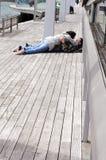 JEUNES COUPLES BARCELONE Photographie stock libre de droits