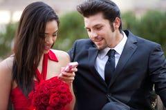 Jeunes couples beaux heureux Photo stock