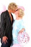Jeunes couples blonds dans l'amour Images libres de droits