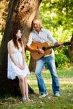 Jeunes couples caucasiens image stock