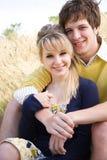 Jeunes couples caucasiens dans l'amour Images libres de droits