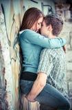 Jeunes couples dans l'amour Photos stock
