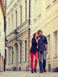 Jeunes couples dans l'amour Prague, République Tchèque, l'Europe Image libre de droits