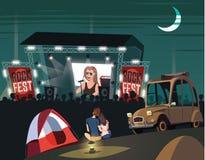 Jeunes couples dans l'amour sur le festival de musique d'été illustration libre de droits
