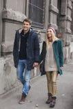 Jeunes couples dans la marche d'amour Photographie stock