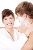 Jeunes couples dans la salle de bains Photographie stock