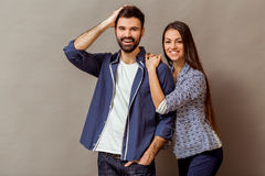 Jeunes couples dans le studio Photo libre de droits