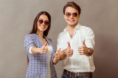 Jeunes couples dans le studio Image libre de droits
