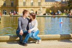Jeunes couples dans les jardins du luxembourgeois Photo stock