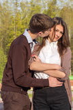 Jeunes couples de hippie de mode dans l'amour Photographie stock