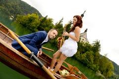 Jeunes couples de mariage Images libres de droits