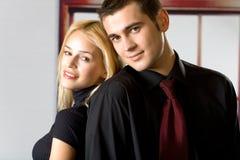 Jeunes couples de sourire Photos stock