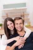 Jeunes couples de sourire heureux Images libres de droits