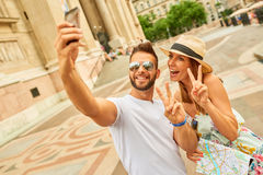Jeunes couples de touristes Image stock