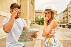 Jeunes couples de touristes Photos stock