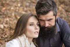 Jeunes couples en automne Photographie stock libre de droits