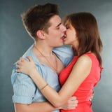 Jeunes couples en gros plan dans l'amour Photos libres de droits