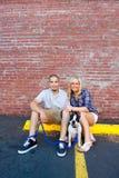 Jeunes couples engagés Photo libre de droits