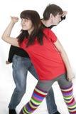 Jeunes couples gais regardant que voie Photographie stock