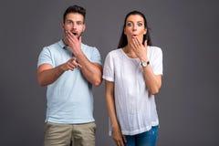 Jeunes couples gentils dans le studio Photo libre de droits