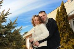 Jeunes couples heureux Photo stock