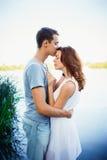 Jeunes couples heureux dans l'amour Photographie stock libre de droits