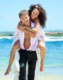 Jeunes couples heureux des vacances Image stock
