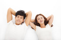 Jeunes couples heureux et décontractés Images stock