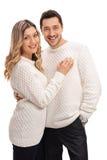 Jeunes couples heureux souriant et regardant l'appareil-photo Photographie stock libre de droits