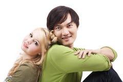Jeunes couples mélangés heureux Images libres de droits