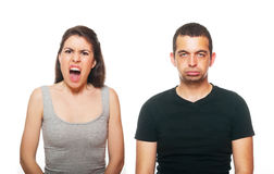 Jeunes couples malheureux ayant un argument photo libre de droits