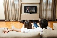 Couples observant un film Image stock