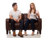 Jeunes couples occasionnels Images libres de droits
