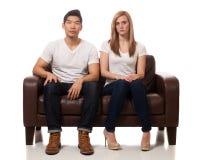 Jeunes couples occasionnels Photos stock
