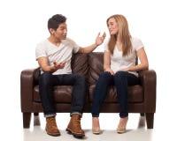 Jeunes couples occasionnels Photographie stock