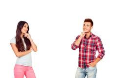 Jeunes couples réfléchis dans l'amour Image libre de droits