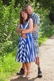 Jeunes couples romantiques joyeux images libres de droits