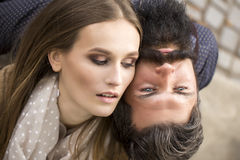 Jeunes couples tendres Image libre de droits