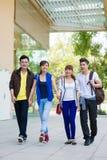Jeunes couples vietnamiens image libre de droits