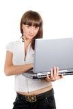 jeunes d'ordinateur portatif de femme d'affaires Photographie stock