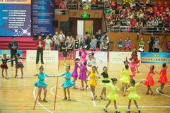 Jeunes danseurs joignant la 18ème concurrence de Guangdong Dancespots Chamionship Photos stock