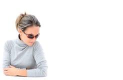 jeunes de femme de lunettes de soleil Photo stock