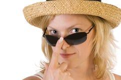 jeunes de femme de paille de chapeau Images stock