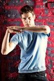 jeunes de pose d'homme de danse Photographie stock libre de droits